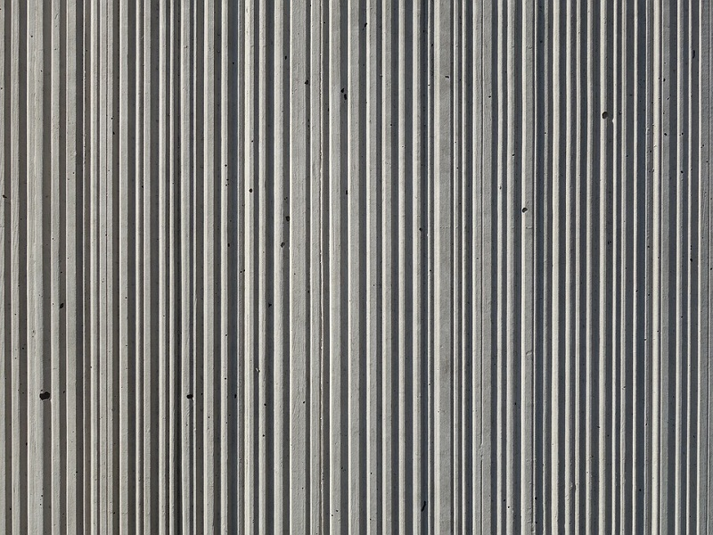 Concrete structure stripes